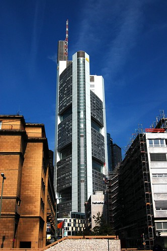 Pro architectures norman foster 39 s most famous buildings - Commerzbank london office ...