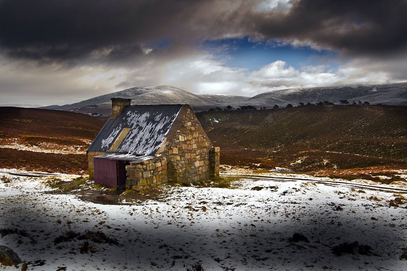 Rebhoan Bothy and the hills of Strath Nethy by the44mantis