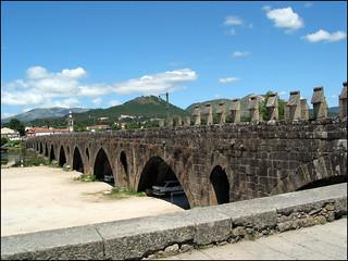 Image of Ponte sobre o Lima. bridge portugal rio ponte riolima pontedelima