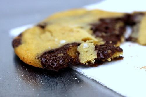 Leite s consummate chocolate chip cookie smitten kitchen for Smitten kitchen chocolate chip cookies