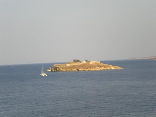 Πόρος, Νησάκι Μπούρτζι