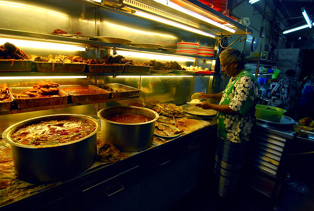 pots of curry - Line Clear restaurant in Penang by CC user amrufm on Flickr