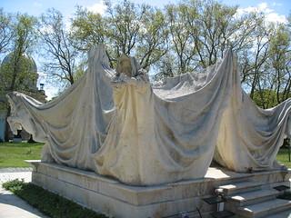 Image of  Antall József. cemetery budapest springbreak pest antall