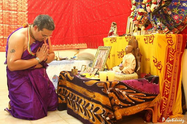 adhiyajnah katham ko 'tra dehe 'smin madhusudana prayana-kale ca katham jneyo 'si niyatatmabhih