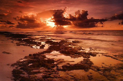 ocean morning light reflection clouds sunrise mexico rocks horizon atlantic cancun potofgold goldblue singhray mywinners abigfave ndgrads theunforgettablepictures theperfectphotographer alemdagqualityonlyclub damniwishidtakenthat