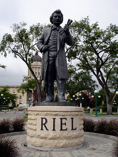 Louis Riel 的形象. summer sculpture canada statue louis winnipeg manitoba riel 2008
