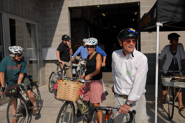 Blumenauer fundraiser ride-shindig-1