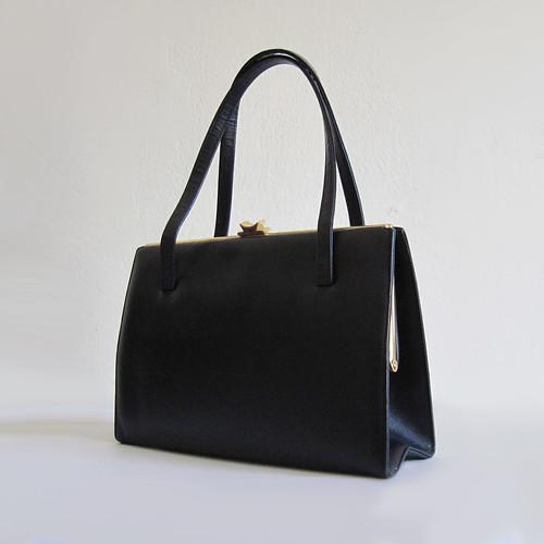 Vintage handbags online