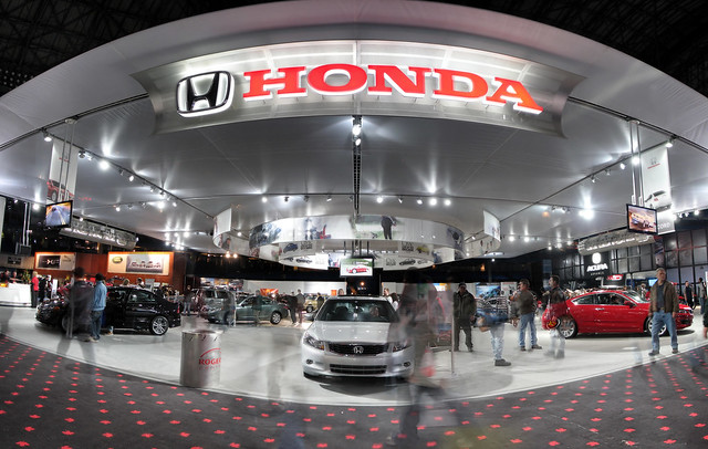 Hondas Advertising Police Is After Its Dealers