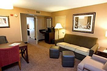 Embassy Suite Hotel Arlington Va