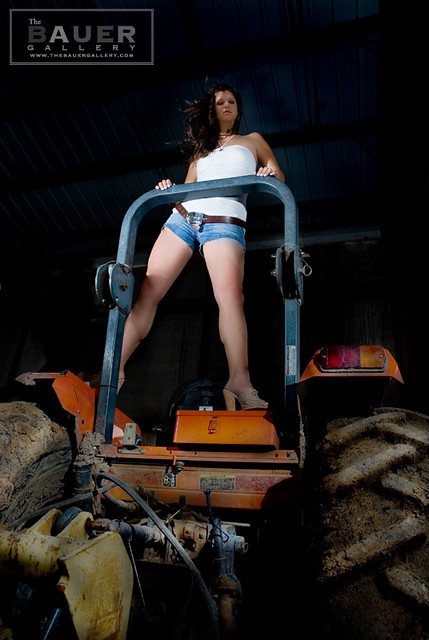 _DSC3295 - she thinks my tractor's sexy! model: www.brianamodel.com