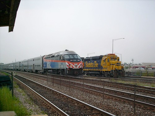 Two eastbound trains meet. Cicero Illinois. September 2007. by Eddie from Chicago