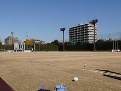 鶴見緑地球技場