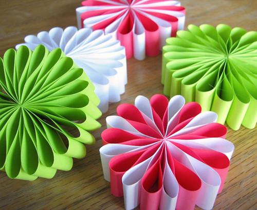 Елочные из бумаги игрушки