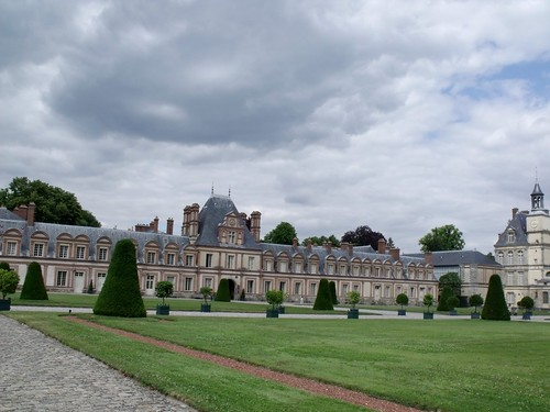 Fontainebleau - Francis I courtyard
