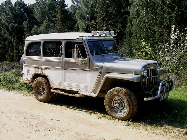 1958 Willys Jeep Wagon http://www.flickr.com/photos/ddg988/2336845611/
