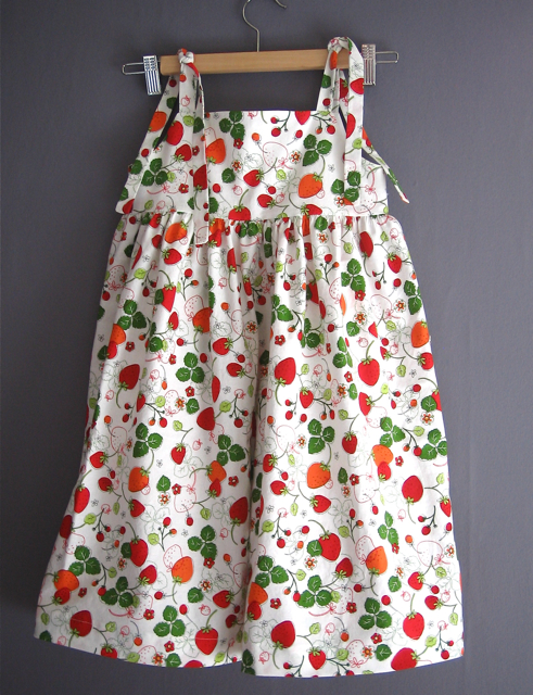 see&sew 3889 dress