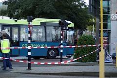 Bus wordt weggesleept