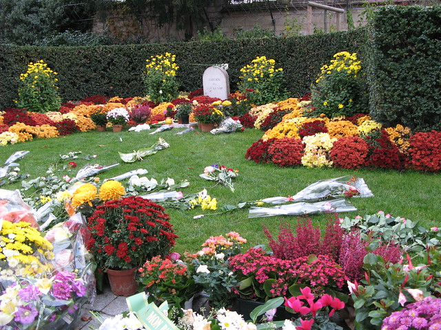 P re lachaise le jardin du souvenir flickr photo sharing - Jardin du souvenir pere lachaise ...