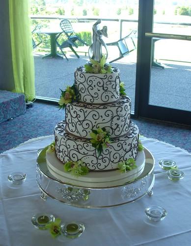 Revis blog charlie swan breaking dawn cop tuxedo wedding marriage