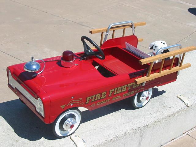 Fire Truck Pedal Car: Pedal Car 1960's Ford Fire Truck 01