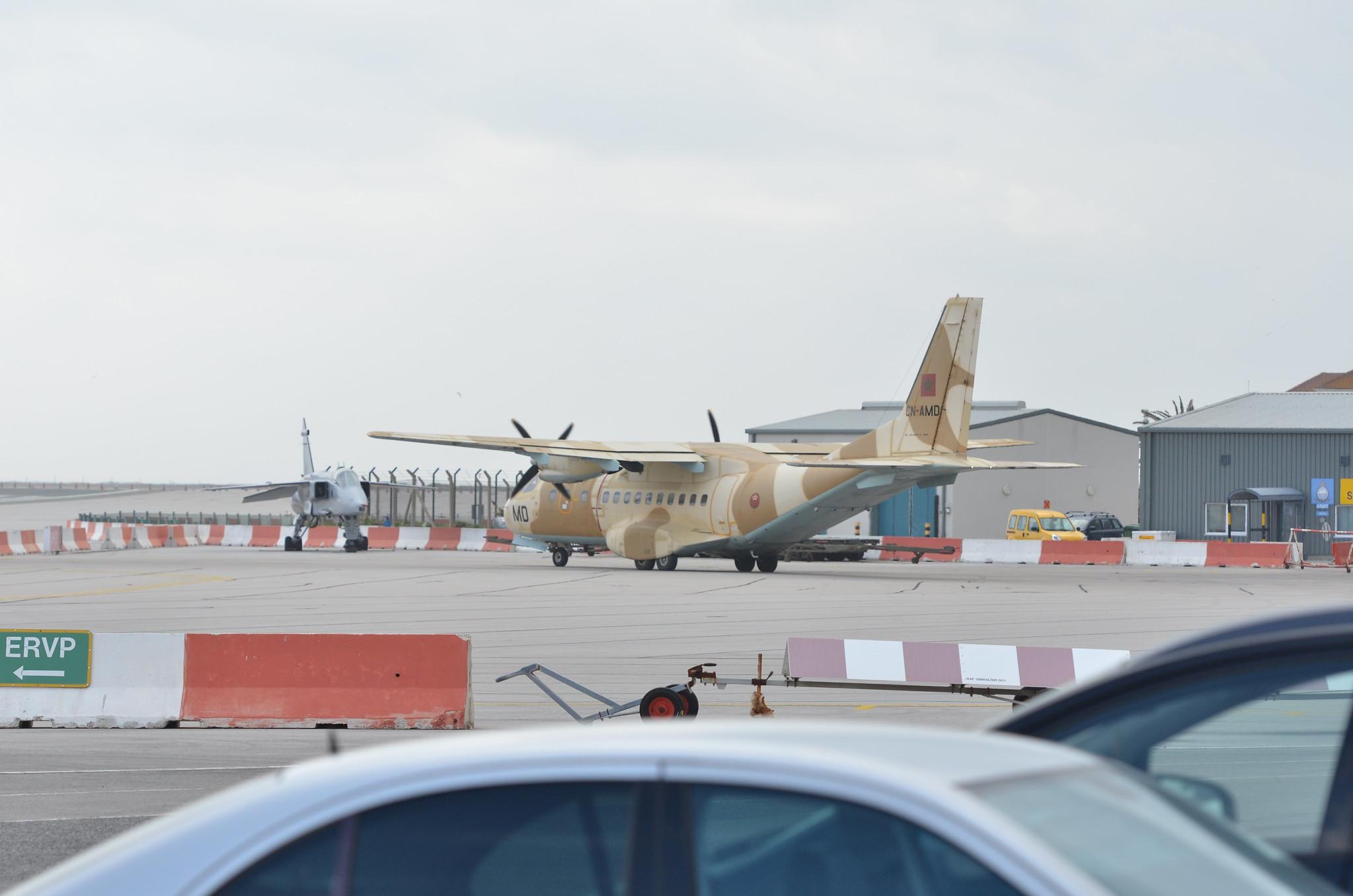طائرات النقل العاملة بالقوات المسلحة المغربية 13060123593_a9db2b0789_k