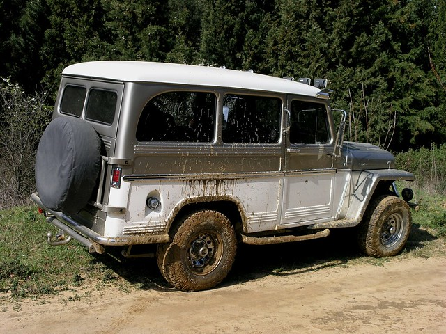 1958 Willys Jeep Wagon http://www.flickr.com/photos/ddg988/2337681222/