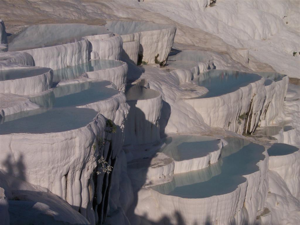 Increíbles terrazas naturales de Pamukkale en las que hace tiempo se permitía el baño Pamukkale, el Castillo de Algodón - 2512704541 ce8ccfe6c4 o - Pamukkale, el Castillo de Algodón