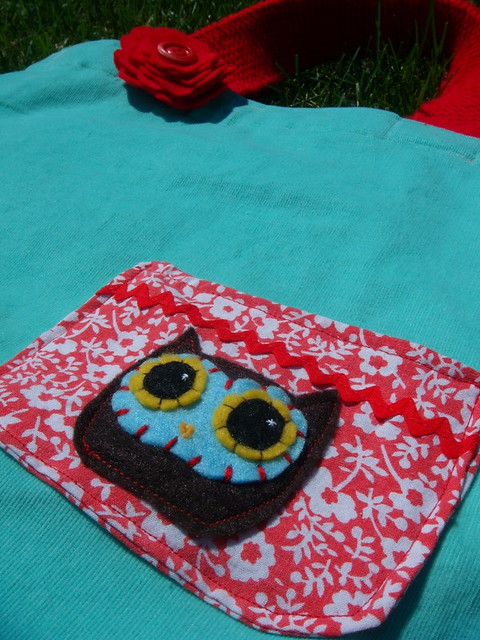 Pocket Owl Tote with Flower Pin