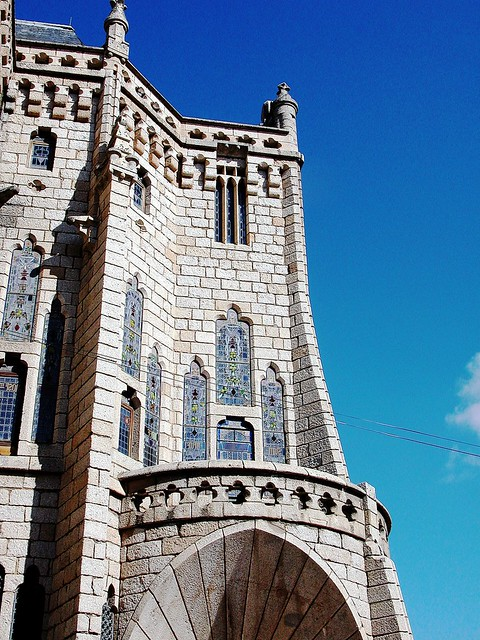 22 ASTORGA . Palacio Episcopal. Gaudí. 10A