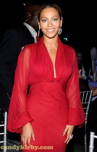 Beyonce Knowles at the Children's Hospital Foundation Diamond Ball and Concert in Miami