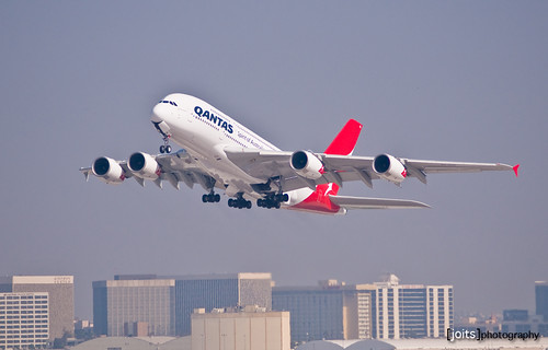 qantas a380 take off