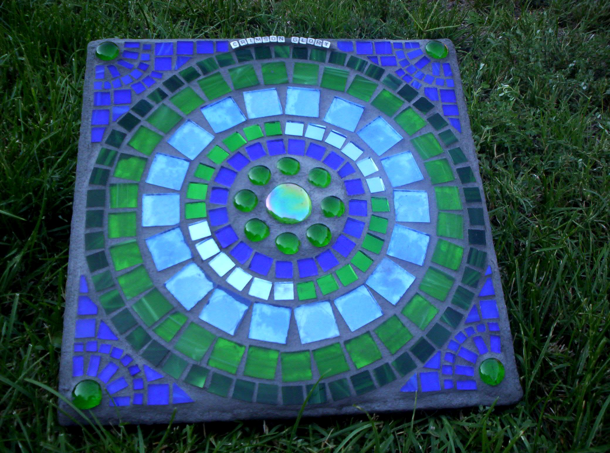 Mosaic garden art stepping stone another stepping stone for Garden mosaic designs