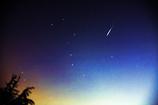 流星雨之夜 meteor shower