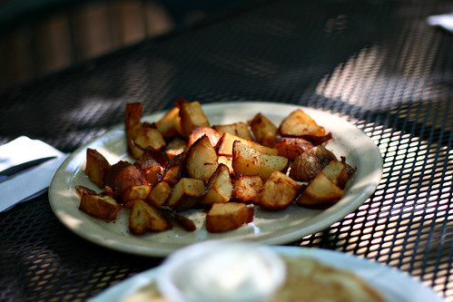 """Do the French call chips """"American fries""""? 