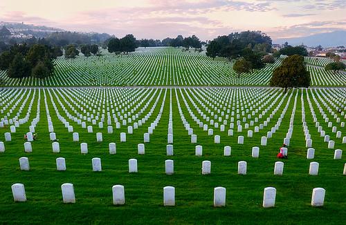 world cemetery dead soldier sadness golden nikon gate war sad military cemetary vietnam national serene d1x golddragon goldmedalwinner platinumphoto thatsclassy goldstaraward nikonflickraward