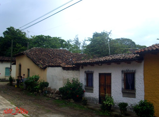 Casas con techo de teja flickr photo sharing - Casas con tejas ...