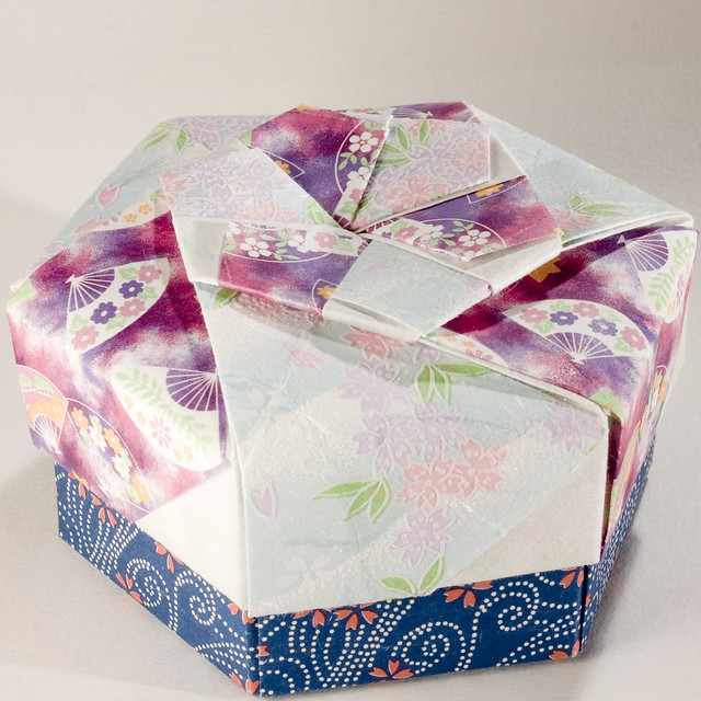 Small Decorative Gift Boxes With Lids: Decorative Hexagonal Origami Gift Box With Lid: # 16
