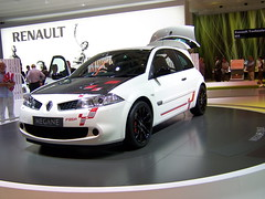 renault clio v6 renault sport(0.0), family car(0.0), mitsubishi(0.0), automobile(1.0), automotive exterior(1.0), renault mã©gane renault sport(1.0), wheel(1.0), vehicle(1.0), automotive design(1.0), auto show(1.0), bumper(1.0), hot hatch(1.0), land vehicle(1.0),