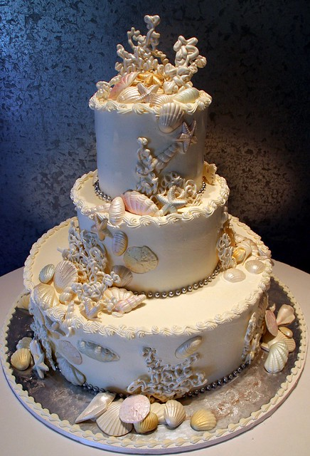 sea shell all edible wedding cake with a sea shell motif flickr photo sharing. Black Bedroom Furniture Sets. Home Design Ideas