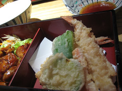 tonkatsu(0.0), meal(1.0), lunch(1.0), food(1.0), dish(1.0), cuisine(1.0), tempura(1.0), bento(1.0),