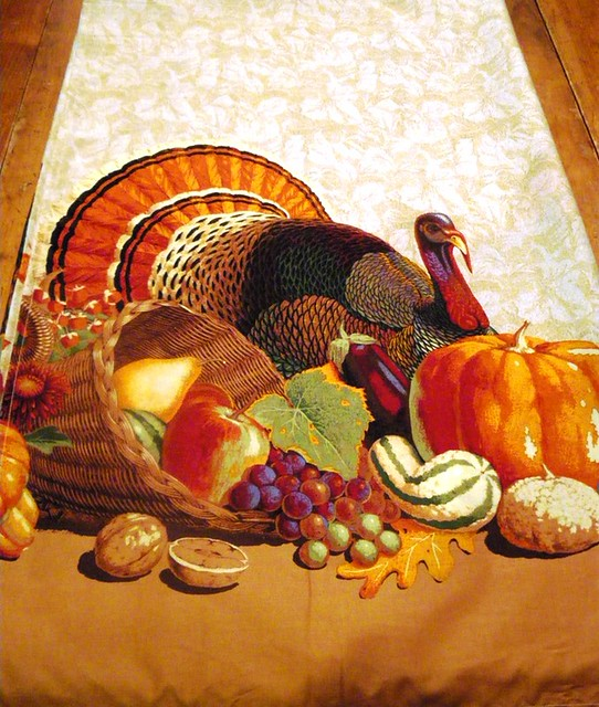 Thanksgiving table cloths