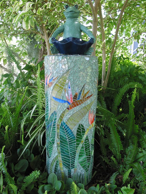 how to make a mosaic planter out of pvc pipe