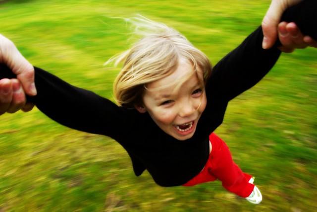 Wheeeeee! | Flickr - Photo Sharing!: http://flickr.com/photos/gemsling/2805186876