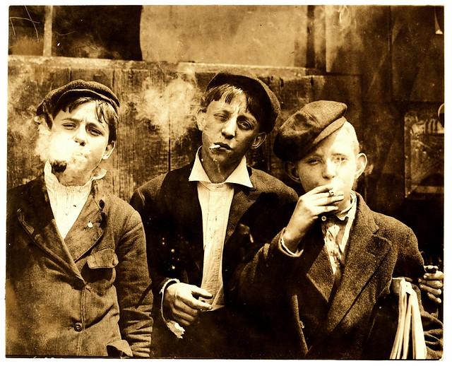 Lewis Hine: Newsies smoking at Skeeter's Branch, St. Louis ...