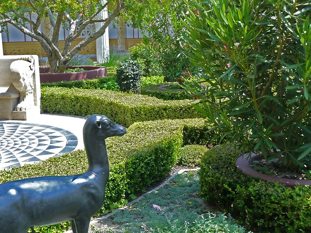 Outer peristyle garden at the getty villa 20 flickr for Outer garden