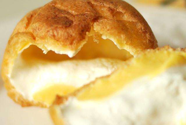 cream puff / モンテール 牛乳と卵のカスタード&ホイップシュー