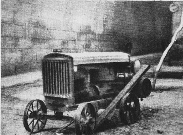 Compresor neumático que accionaba las perforadoras de las dos minas cavadas para volar el Alcázar por los republicanos. Situado en la Plaza Mayor