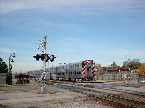 An eastbound Metra commuter local approaching the Franklin Park Illinois commuter rail station. October 2007. by Eddie from Chicago