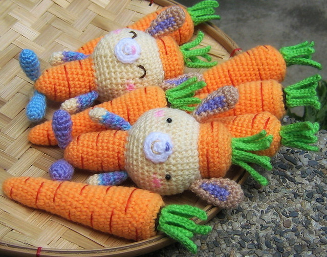 Amigurumi Vegetable Patterns : Carrots and Carrot Bunny Amigurumi Pattern Carrots and ...